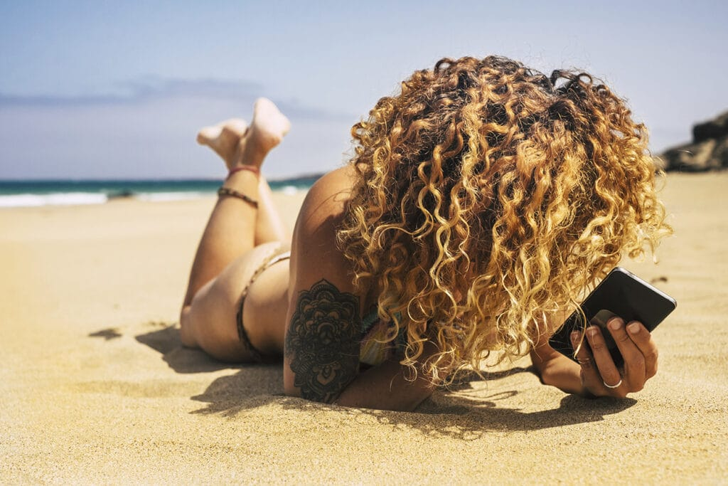 How to Have Beautiful Hair on the Beach?